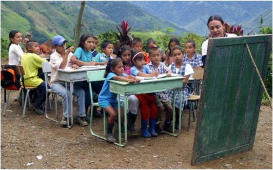 Resultado de imagen para escuelas de mexico en mal estado
